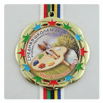 медаль выпускника средней школы на ленте